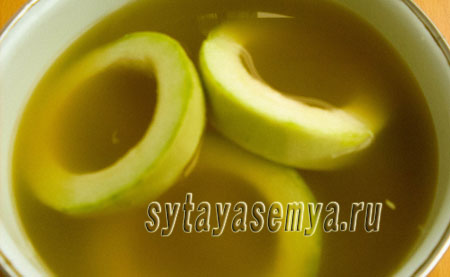 kabachki-kak-ananasy-na-zimu-4