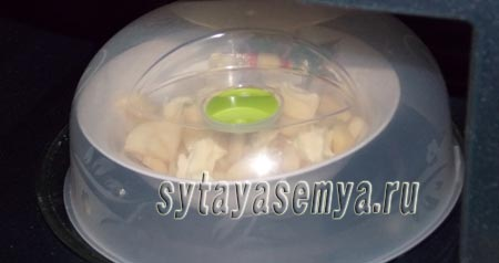 kartofel-v-mikrovolnovke-s-chesnokom-i-syrom-4