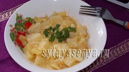 kartofel-v-mikrovolnovke-s-chesnokom-i-syrom
