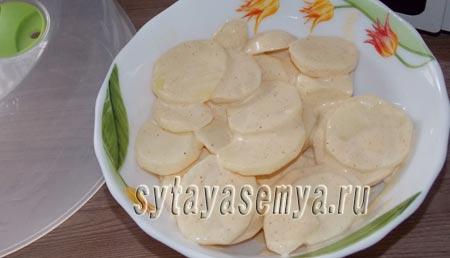 kartoshka-v-mikrovolnovke-s-majonezom-3