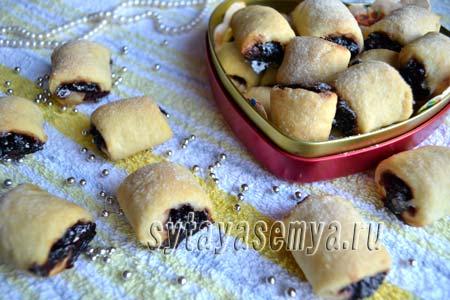 Рецепт печенья на сметане с вареньем