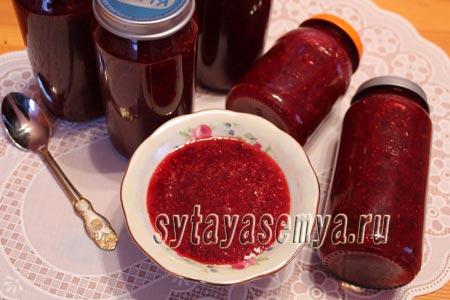klyukva-s-saharom-na-zimu-protertaya