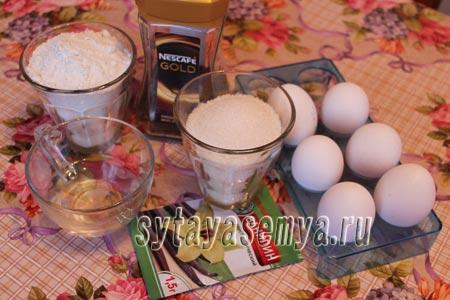 kofejnyj-biskvit-v-multivarke-1