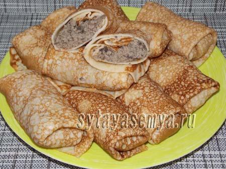bliny-farshirovannye-myasom-i-gribami-Блины, фаршированные мясом и грибами