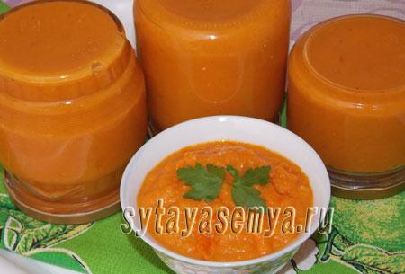 kabachkovaya-ikra-s-tomatnoj-pastoj-na-zimu