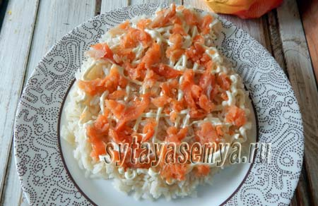 salat-ded-moroz-s-krasnoj-ryboj-2