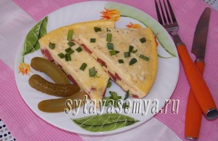 Омлет в мультиварке рецепт с колбасой и сыром