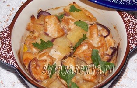 Как приготовить куриное филе с ананасами в духовке