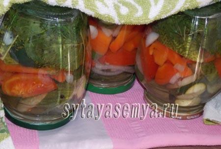 Резаные огурцы с помидорами рецепт на зиму