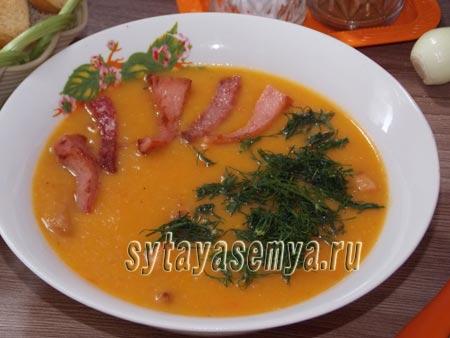 Овощной суп-пюре с колбасой