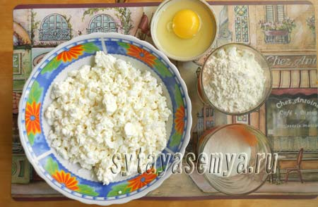 recept-syrnikov-iz-tvoroga-v-duhovke-1