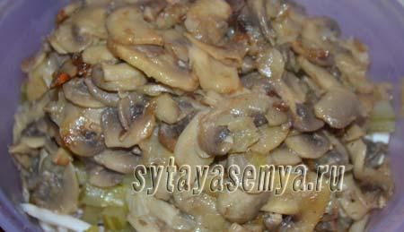 salat-s-kalmarami-i-gribami-5