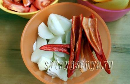 adzhika-iz-pomidor-i-pertsa-na-zimu-3