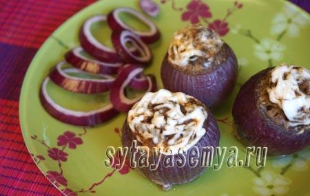 Фаршированный лук в духовке: рецепт с фото