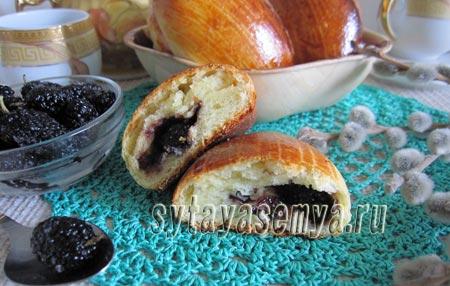 Печеные пирожки с шелковицей: пошаговый рецепт с фото