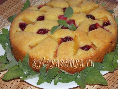 Вкусный пирог со свежими абрикосами