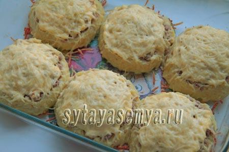 Картофельные гнезда с фаршем в духовке, рецепт с фото