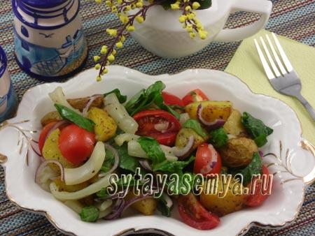 Салат с картофелем и кальмарами