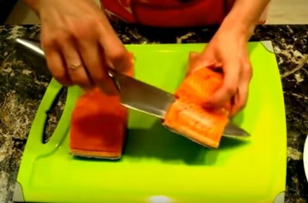 Как солить семгу в домашних условиях - вкусно и быстро с фото пошагово