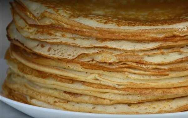 Блины на кефире - рецепт: тонкие с дырочками на 1 литр кефира (пошагово с фото)